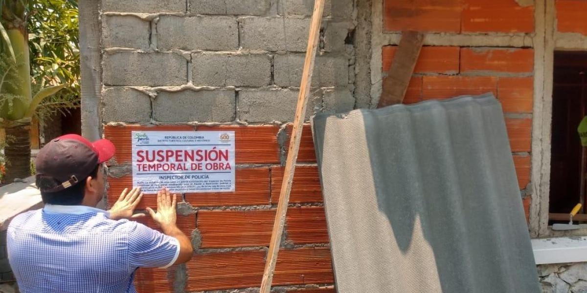 Suspensión de obras ilegales en plena cuarentena.