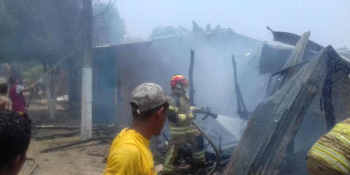 Incendio en casa de Sabanalarga.