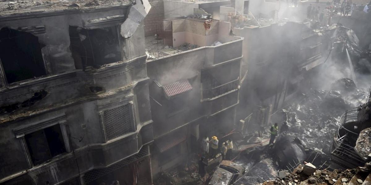 Accidente aéreo en Pakistán.