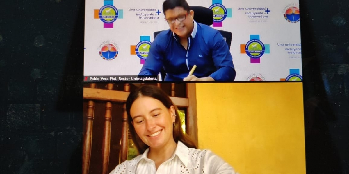 El rector de la Universidad del Magdalena, Pablo Vera y Taliana Vargas Carillo, directora de la Fundación Casa en el Árbol