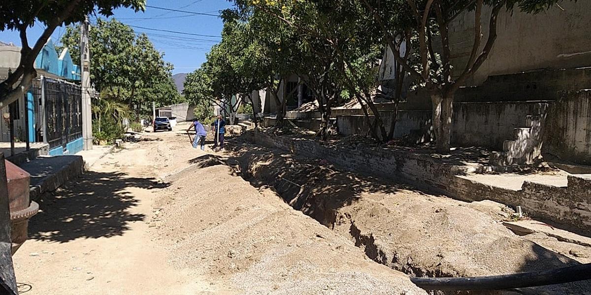 Adecuación de redes de agua potable en la urbanización La Rosalía.