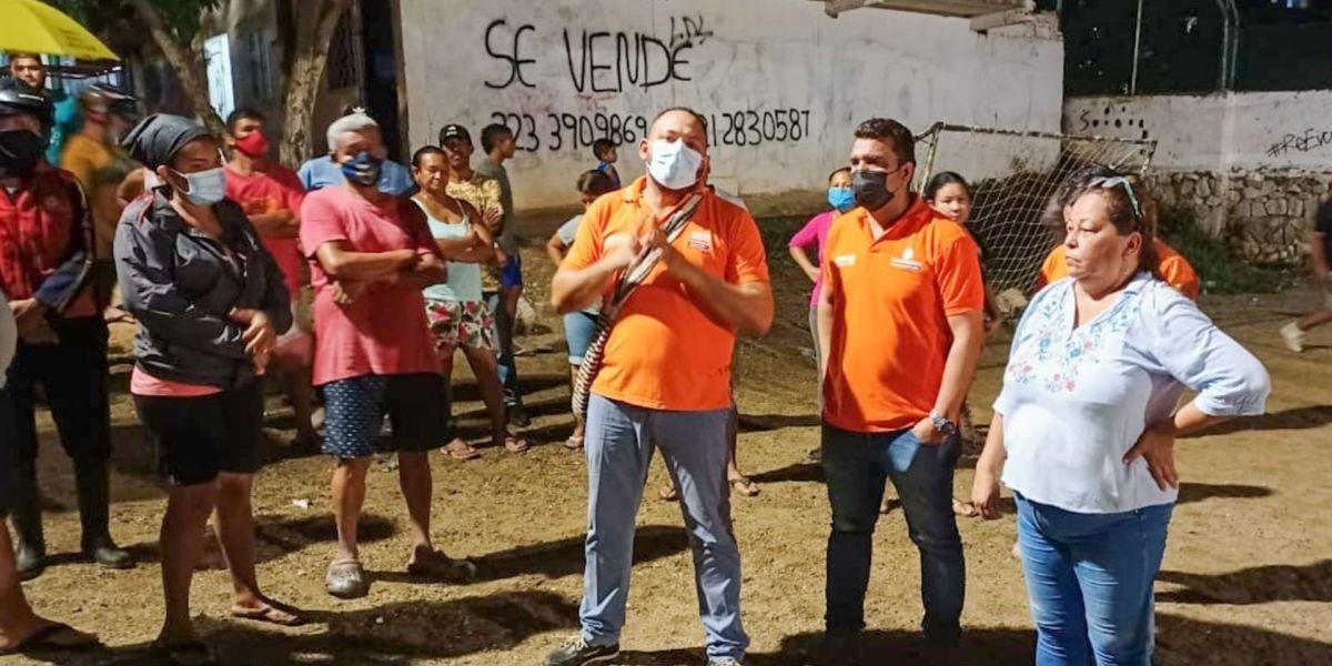 Operarios de la Essmar en el barrio San Pablo.