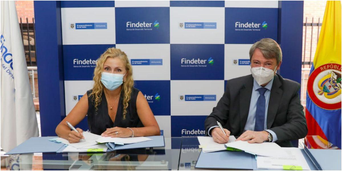 Con el crédito, tanto KfW como Findeter buscan promover el financiamiento de inversiones en los sectores de agua potable, saneamiento básico y residuos sólidos en Colombia.