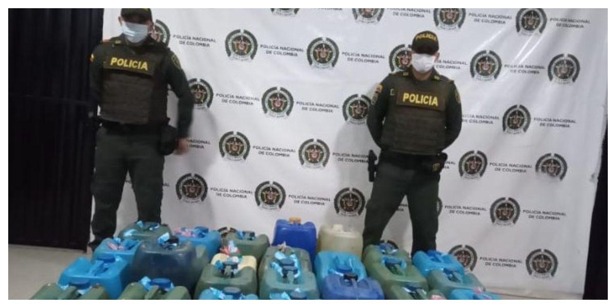 Un total de 220 galones de gasolina de contrabando fueron incautados.