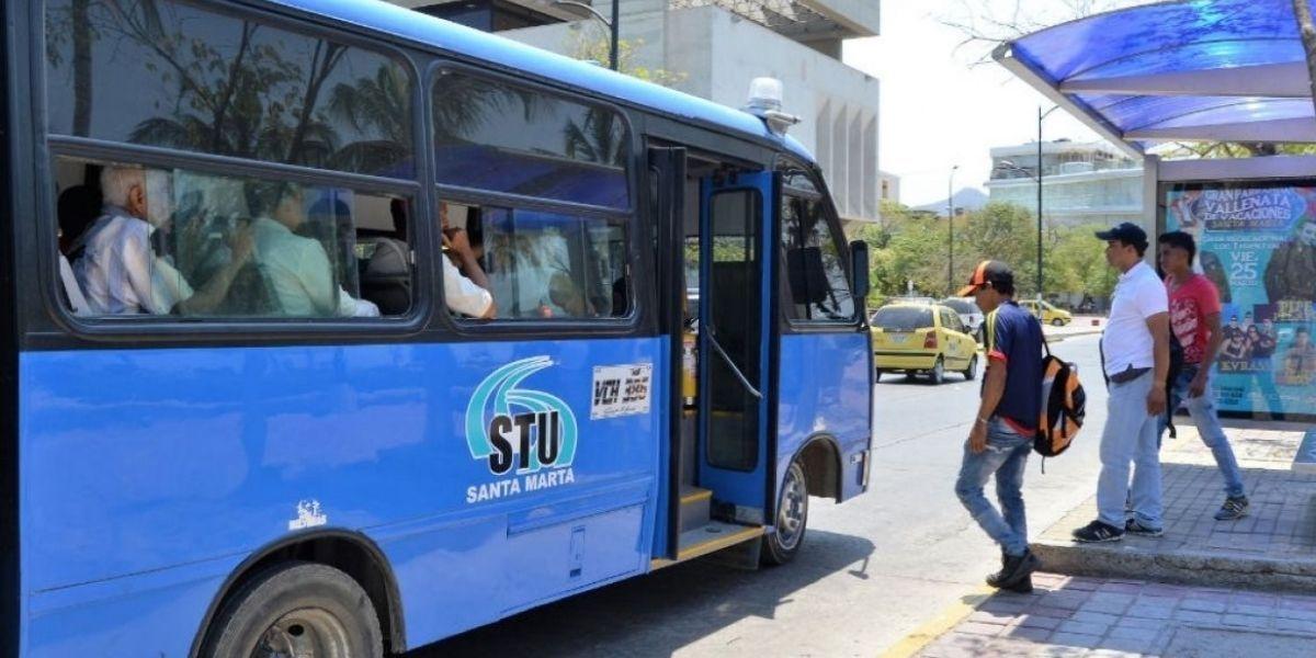 Buses de transporte público en Santa Marta.