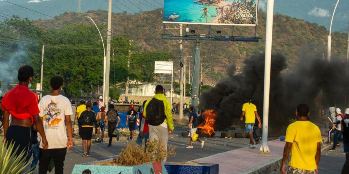 Según Caicedo, los manifestantes reciben droga y plata de políticos de derecha para cometer actos vandálicos.