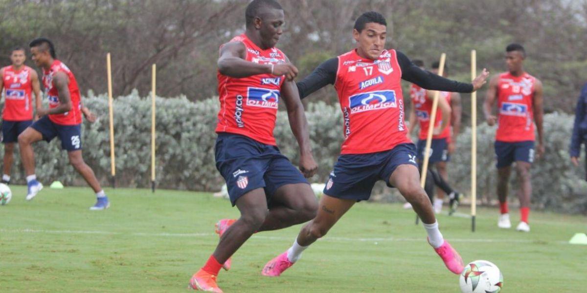 Edwuin Cetré en un entrenamiento con Gabriel Fuentes.