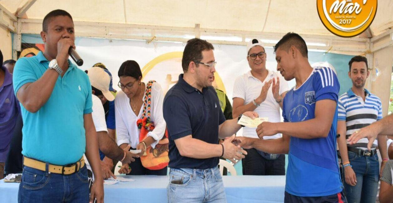 Alcalde del Distrito, Rafael Alejandro Martínez fue el encargado de entregar los premios.