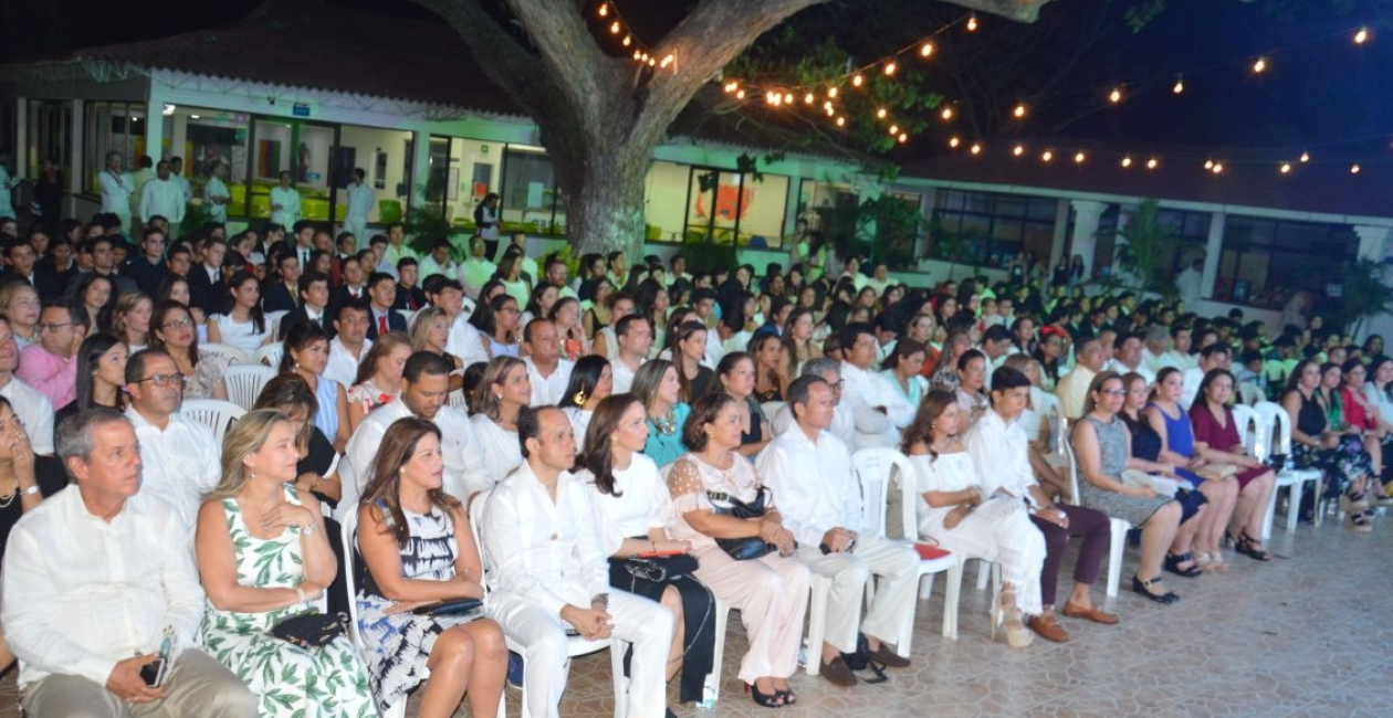 Público asistente a la ceremonia de apertura del VIII SAMUN.