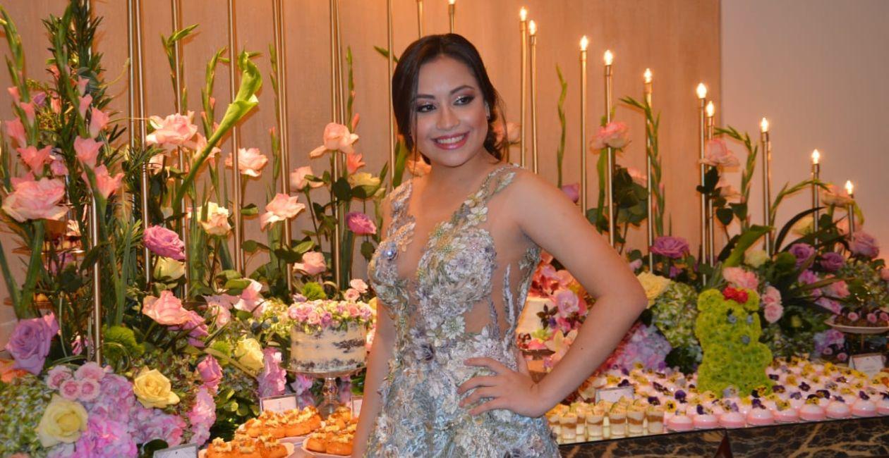 La quinceañera Adriana Ramírez.
