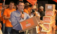 Carlos Caicedo durante el evento en plaza pública en Santa Marta.