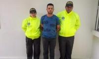 Onalvis Pinto, pastor evangélico capturado por abusar de una menor de 10 años.
