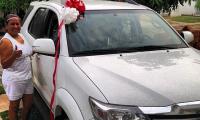 MARTÍN le regaló la camioneta A SU MADRE en el 2014.