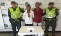 Capturan en El Difícil a dos hombres por robar un celular