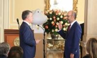 , Juan Manuel Santos, posesionó este viernes a Camilo Sánchez Ortega como nuevo Ministro de Vivienda, Ciudad y Territorio.