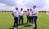 Alcalde de Ciénaga y miembros de la Organización de los Juegos.