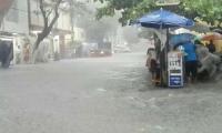 Así se observaba este miércoles la carrera Quinta en Santa Marta, la lluvia causó estragos en la capital del Magdalena.
