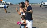 James Rodríguez y Daniela Ospina junto a su hija Salome.