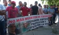 Piden justicia por los compañeros asesinados.