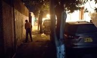Las personas aprovechan la oscuridad para hacer sus necesidades físicas en esta calle ciega.
