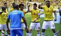 Jugadores de Colombia festejan un gol.