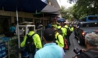 Los policías recorrieron los puntos de venta estacionaria y el centro comercial Royal Plaza.