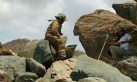 Bomberos de Santa Marta rescataron al topógrafo en el cerro de la Sociedad Portuaria.