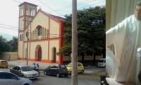 Iglesia San Clemente Romano y el párroco Oscar Arango Franco.