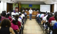 El foro de educación fue organizado por estudiantes de la Universidad.