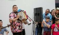 Rolando Ochoa deleitó a los asistentes interpretando la buena música de su padre.