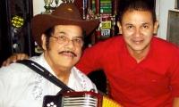 Aníbal Velásquez y su biógrafo Fausto Pérez Villarreal.