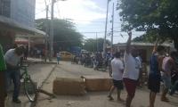 Los habitantes exigen que Electricaribe restablezca el servicio de inmediato.