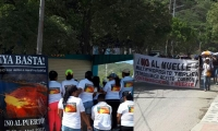 Tagangueros salieron masivamente a las calles de su pueblo para rechazar una vez más la construcción del muelle multipropósitos.