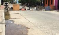 Comunidad de Pescaito cerró la  calle 6, entre carreras 5ta y 6ta.
