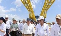 El presidente Juan Manuel Santo visitó la obra en compañía de los gobernadores del Atlántico y Bolívar.