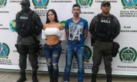 Junto a la voluptuosa presentadora, Paulin Karina Díaz, también fue detenido alias 'La Bruja'.