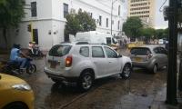 En la capital de Magdalena, desde muy temprano comenzaron las lluvias con fuertes vientos.
