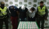 Los capturados fueron dejados a disposición de la autoridades competentes.