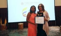 Betsy Laudit Manjarrés Fernández, recibió el reconocimiento a su labor.