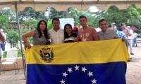Venezolanos en Barranquilla en uno de los puntos de votación.