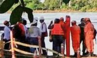 Autoridades al pie del río Magdalena.