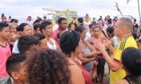 El Alcalde visitó a la comunidad afectada, le dio un parte de tranquilidad y se comprometió a realizar talleres y simulacros.