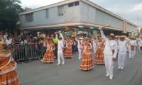 Las danzas engalanaron las calles del Centro de Santa Marta.