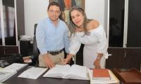 El Alcalde Martínez fue el encargado de posesionar a Ana María Muelle como nueva Procuradora Regional del Magdalena.