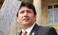 Una supuesta letra de cambio tiene en el centro de las discusiones políticas a Fabián Castillo.