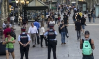 Aspecto que presentaban hoy las Ramblas de Barcelona tras el atentado ocurrido ayer por la tarde.