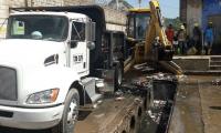 Fueron removidas 40 toneladas de lodo y basura que obstruían los colectores de aguas lluvias, ayudando en gran medida a la comunidad.