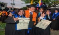 Estudiantes con capacidades diferenciales auditivas, graduadas en la Unimagdalena