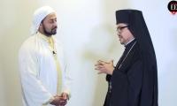 Miembros de las iglesias ortodoxa griega y musulmana.