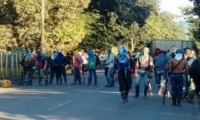Los campesinos bloquearon la vía que comunica a Cúcuta con Ocaña.